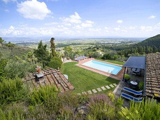 Colle di Compito Villa Sleeps 8 with Pool and WiFi - 5695982