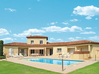 4 bedroom Villa in Trets, Provence-Alpes-Cote d'Azur, France : ref 5443404