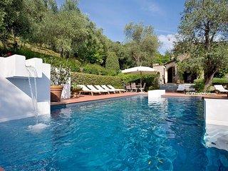 4 bedroom Villa in Nocchi, Tuscany, Italy : ref 5239411