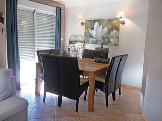 3 bedroom Villa in Loriol-du-Comtat, Provence-Alpes-Côte d'Azur, France : ref 55