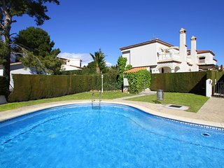 CALA BEACH1 Adosado jardín privado y piscina comun