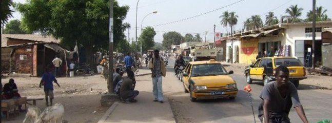 ziguinchor street taxi