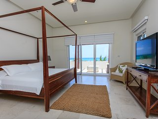 3 BR CONDO WITH STUNNING OCEAN VIEWS