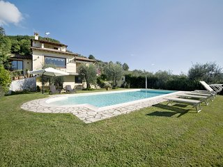 5 bedroom Villa in Bagnolo di Sopra, Tuscany, Italy : ref 5240353