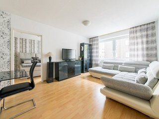 Apartment 511 m from the center of Hanover with Internet, Parking, Washing machi