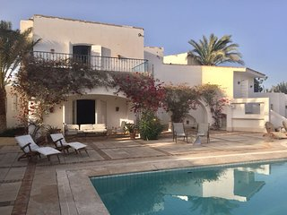 4 Bedrooms Villa in White Villa at El- Gouna for rent