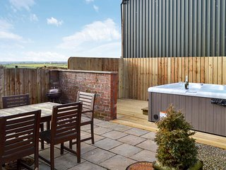 The Roundhouse,  Higher Hopworthy nr Bude. 4* cottage with hot tub.