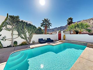 Mountain-View 3BR w/ Private Heated Pool & Patio Dining, 5 Mins to Old Town