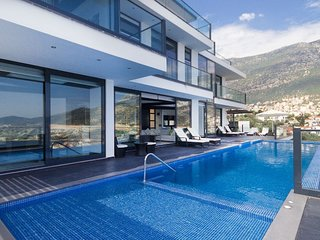 Villa Kalkan Elite is a 5 Bedroom Luxury Amazing Private Pool and Jacuzzi Villa