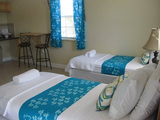 Fresh Creek Comfort! Clean new modern rooms w/ Micro, Frig, Wifi & Cable.