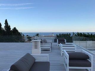Luxueuse Grande Villa   en bord de mer