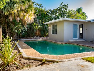 Vacation rental, fenced yard and Private Pool