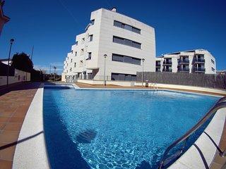 En l'Escala apartamento a nenos de 100m de la playa para 4per, piscina y parking