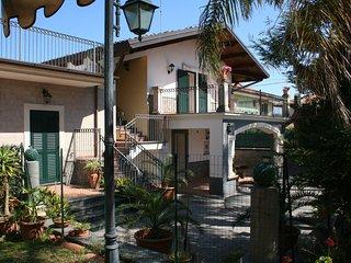 Casa Vacanze 'VILLA LINDA' tra il mare, l'Etna e Taormina