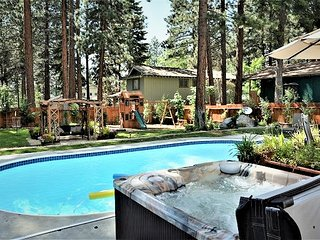 Zephyr Cove Skyland Luxury Heated Saltwater Pool & Spa Private Beach Play house