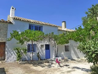 Quirky Andalucian Lakeshore Cortijo in a spectacular location near Castril