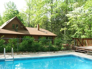 Hawk's View Chalet - hot tub, pool, creek & views!