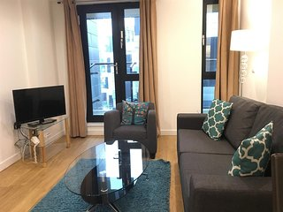Apartment 1.3 km from the center of London with Internet, Lift, Washing machine