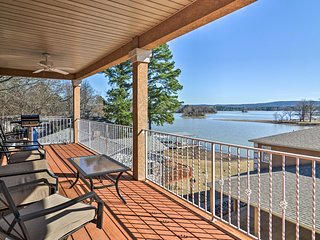 Hot Springs Condo on Lake Hamilton w/Balcony+Views