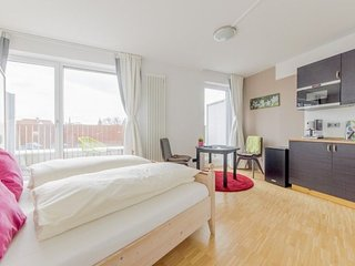 In the center of Hanover with Internet, Parking, Balcony, Washing machine (65872
