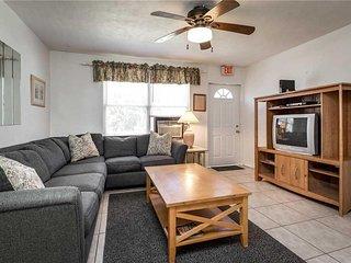 Delmar 228, 2 Bedrooms, Pet-Friendly, Sleeps 4 - House