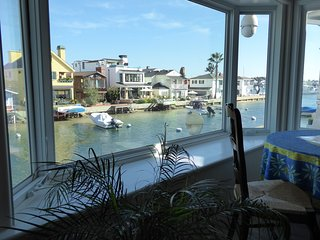 Waterfront FUN Days Weeks LOCATION AMBIANCE A/C & Dining Dock Kayak~Has it ALL!