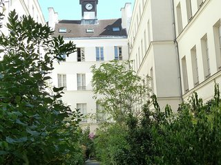 Apartment 442 m from the center of Paris with Internet, Terrace, Garden, Washing