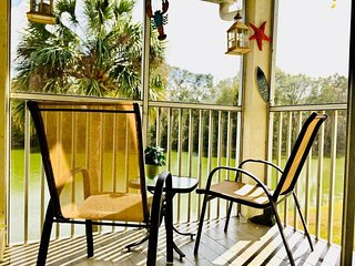 Cozy Lakefront 2BR 2BA Condo centrally located to Disney & paradise beaches