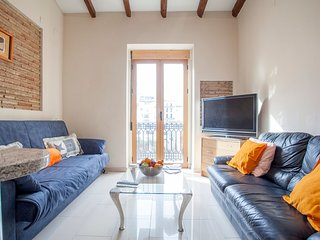 Apartment in the center of Valencia with Internet, Air conditioning, Parking, Te