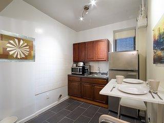 Washington Heights Stunning 4 Bedroom
