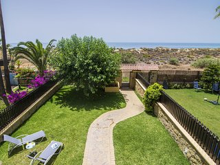 Apartment a short walk away (92 m) from the 'Playa de Los Monteros' in Marbella