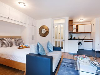 In London with Internet, Lift, Balcony, Washing machine (641540)