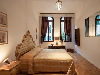 In the center of Venice with Internet, Air conditioning, Washing machine (361317