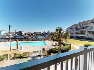 Boat Slip, Pool, Easy Walk to Downtown, Condo in Carolina Bay in Carolina Beach