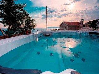 Beautiful stone house Makarana with jaccuzzi & exceptional seaview