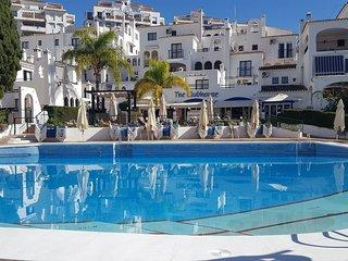 Apartment in popular resort Pueblo Evita 3 swimmingpool jacuzzi fantastic view