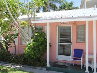 Siesta Key Beach Place - Seahorse Cottage - Discount $800 per week until Dec. 15