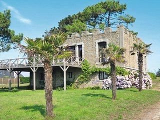 4 bedroom Villa in Kerguillaouet, Brittany, France : ref 5438243
