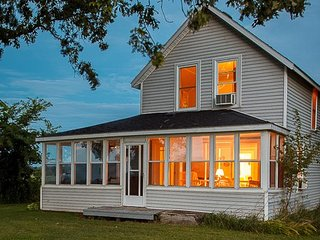 Pelee Island cottage - the copper acorn