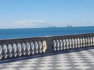 Casa di Nonna Laura, Livorno,  vista mare, 7 posti, zona Pancaldi Accademia