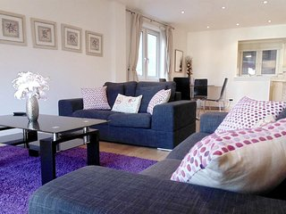 Apartment 1.4 km from the center of London with Internet, Lift, Washing machine
