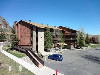 Mountainside Condo 177D