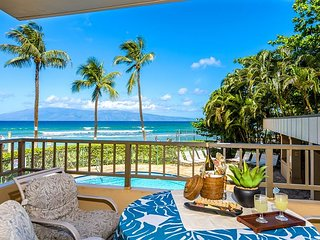 Paki Maui unit 123 -Beautiful Ocean Front 2 bedroom/2 bath