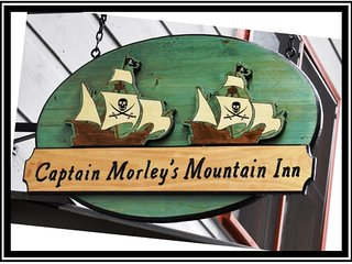 CAPTAIN MORLEY'S MOUNTAIN INN-(ENCHANTED VIEW) 5 BEDROOM, 4 BATH, SLEEPS 12