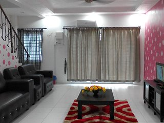 Homestay in Johor Bahru (For 15 pax) Near To Singapore Customs & JB Town