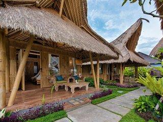 Laksmi Tropical Bamboo Villa