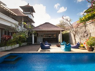 Black Pearl Villa beachside