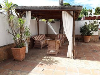 Villa 4 Dormitorios, Piscina, Cerca de la Playa, Admite mascota.