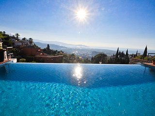 Mediterranean Villa with beautiful terrace, private pool and incredible views.