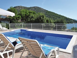 BEST OFFER 'OCTOBER'-'VILLA 'SEDMO NEBO'by the sea-pool, bbq,sauna,play room